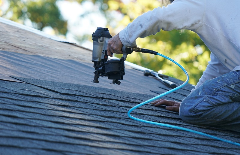 Top 4 Benefits of Hiring a Professional Residential Roofing Contractor